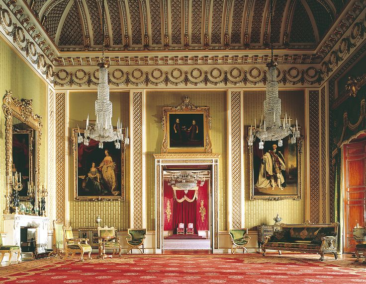 493a7fd1aba2e3c879d0d98f817d0d7e--palace-interior-throne-room.jpg