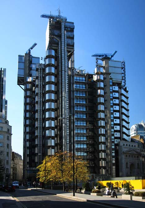 dezeen_We-thought-Lloyds-building-was-the-ultimate-in-technology-but-its-practically-hand-made_11.jpg